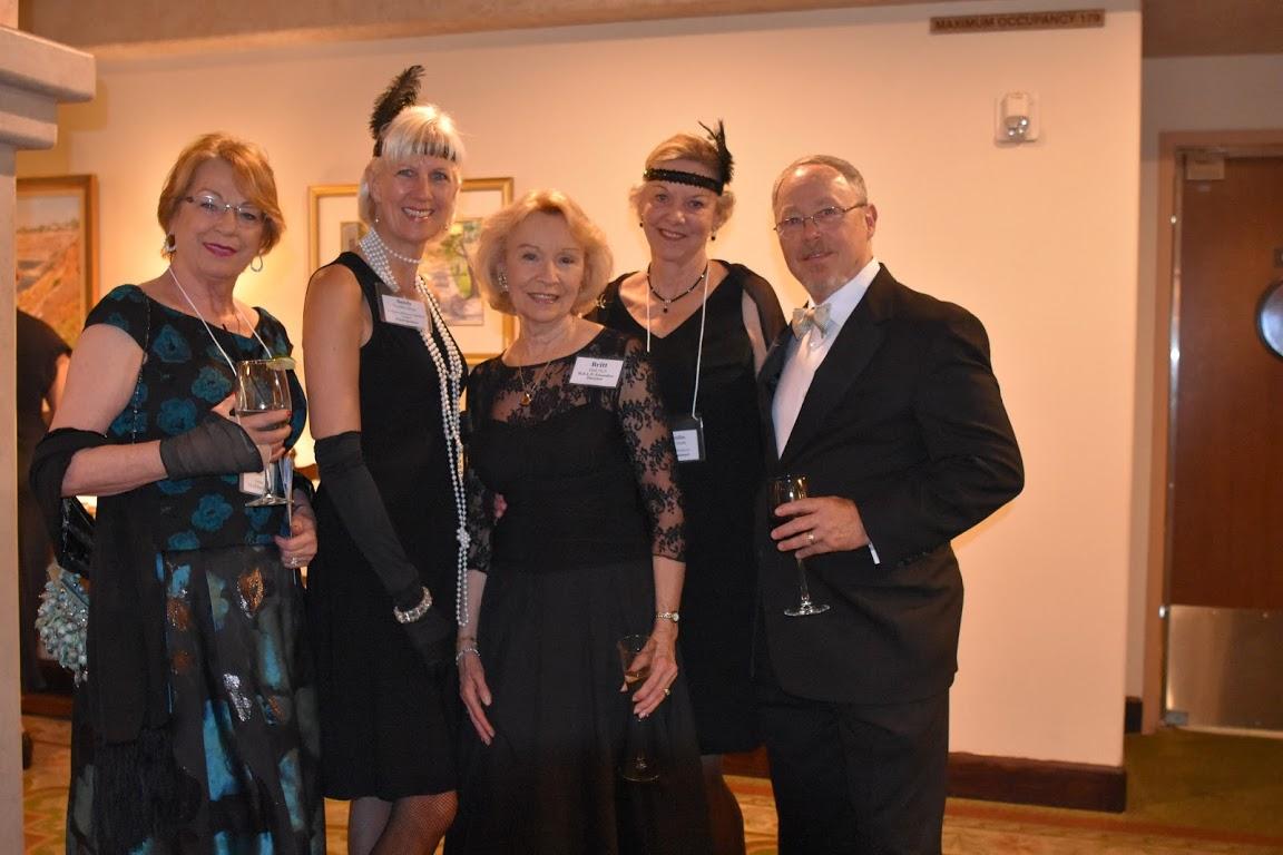 Siby Grebe, Esq., former H.E.L.P. Board Chair, (left), with Sandy Vanden Berg, Torrance Memorial Medical Center Pearl sponsor; Britt Huff, and Carolin & Bob Wade, Board member representing Platinum Sponsor Toyota Motor Sales, USA.